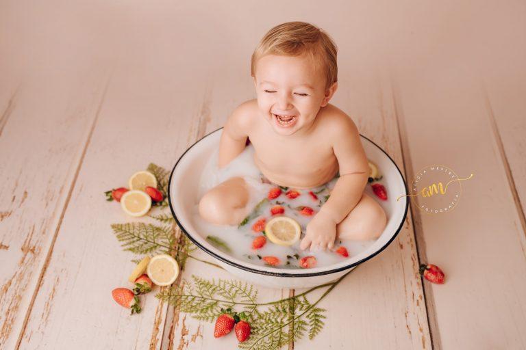 Fotografo Infantil Sesion Milk Bath En Barcelona